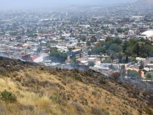 El fuego se controló con ayuda de las tres estaciones de bomberos.