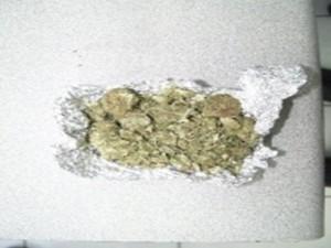 Evitan la distribución de diversas dosis de enervantes en las calles