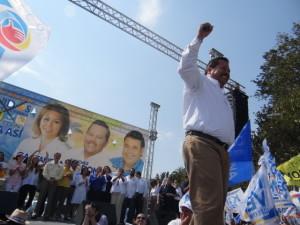 Estuvieron presente los tres candidatos por Ensenada y Kiko Vega así como distintas personalidades a nivel nacional