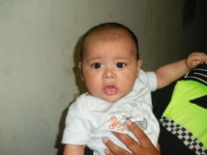 bebe de 06 meses