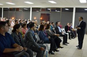 """Durante la charla """"Iniciativa de Reforma Fiscal para 2014"""" ante universitarios"""