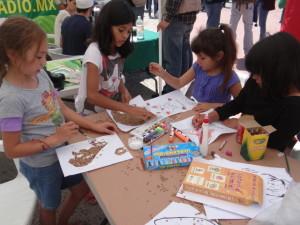 Los niños jugaron lotería en lengua kumiai, con la que conocieron algunas palabras en esta lengua nativa.