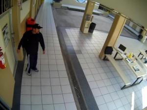 Foto presunto de robo E1 UABC FIAD EDA (Enero 10, 2014)
